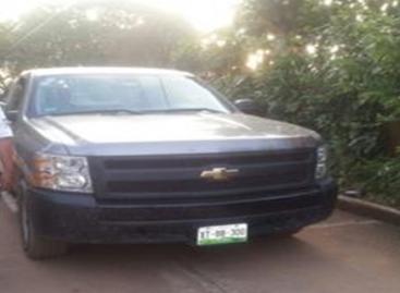 Aseguran cuatro vehículos con reporte de robo y detienen a tres conductores, en Oaxaca