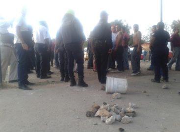 Deja 30 lesionados enfrentamiento entre grupos de mototaxistas en Xoxocotlán, Oaxaca