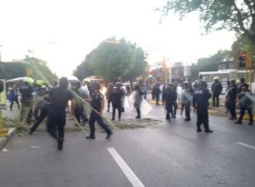Retira Policía bloqueo en Santa Lucia del Camino, Oaxaca; Reportan ocho detenidos
