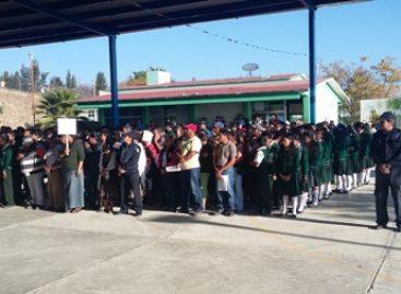 Reconocen escolares y padres de familia programa Promotores Viales del municipio de Oaxaca