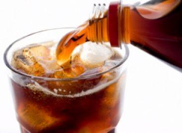 Elevan bebidas gaseosas el riesgo de padecer problemas de salud: Médicos del IMSS