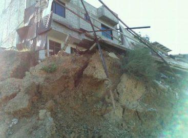 Desalojan dos viviendas por deslizamiento de tierra en Donají, Oaxaca