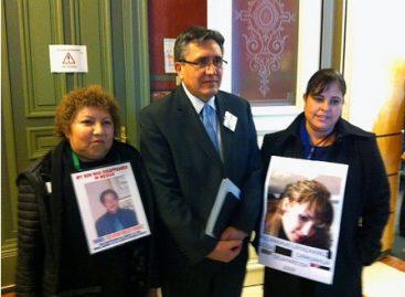 Se reúne el Ombudsman nacional con los padres y madres de los normalistas desaparecidos