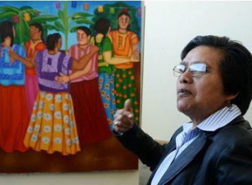 """Exponen """"Secretos de una mujer"""" de Irma Guerrero en la LXII Legislatura de Oaxaca"""