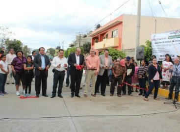 Inauguran pavimentación de calle con concreto hidráulico en Pueblo Nuevo, Oaxaca
