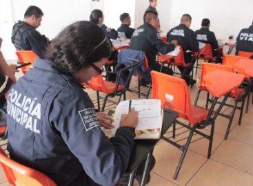 Apoya Ayuntamiento de Oaxaca a policías municipales para concluir su educación media superior