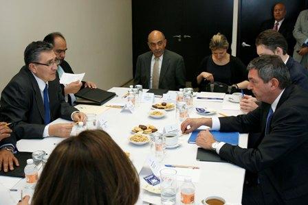 Se reúnen funcionarios de la CNDH y la UE