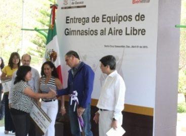 Entrega gobierno de Oaxaca gimnasios al aire libre a 13 municipios de Valles Centrales