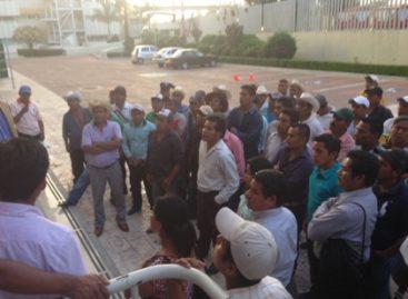 Levantan bloqueo carretero habitantes de Jalapa de Díaz, Oaxaca