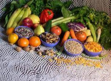 Consumir alimentos con estrógenos naturales, opción para mujeres con síntomas menopáusicos