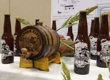 Elaboran estudiantes de la Universidad Tecnológica de Oaxaca cerveza artesanal