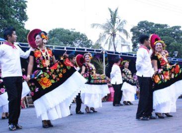 Presentan a la delegación de Juchitán que participará en la Guelaguetza 2015, en Oaxaca