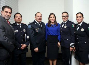 Entrega Instituto Nacional de Transparencia reconocimiento a la Policía Federal