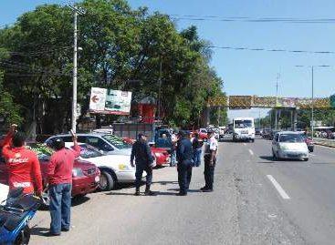 Blindan mercados automotrices contra robo de vehículos en Oaxaca