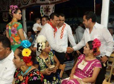 Engalanan belleza y color la Vela San Isidro Labrador en Juchitán, Oaxaca