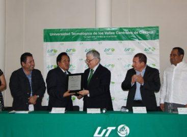 Recibe la UTVCO cédula de acreditación por parte de Conocer