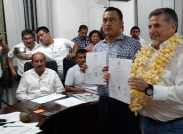Entrega INE constancia de mayoría como diputado electo a José Antonio Estefan Garfias