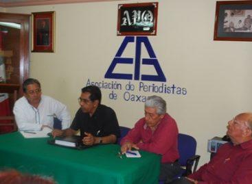 """Hacer periodismo en Oaxaca, ahora es """"rete fácil"""", asegura Carlos Cervantes"""