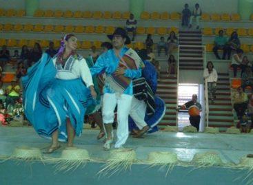 Derroche de danza y bailables populares de la Expo-Feria Huajuapan 2015