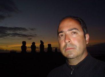 El hombre de tweed, el twitter y la literatura: Mauricio Montiel Figueiras en la FUL 2015