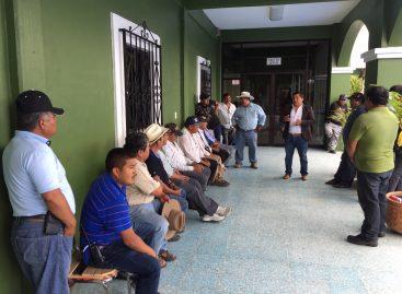 Pobladores del municipio indígena de San Dionisio Ocotepec Oaxaca, retienen a policías