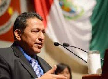 Félix Serrano en la bancada legislativa del PRD pero es de Morena