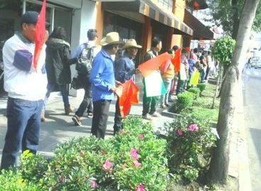 Realizan Antorchistas de Oaxaca Cadena Humana frente a la Segob