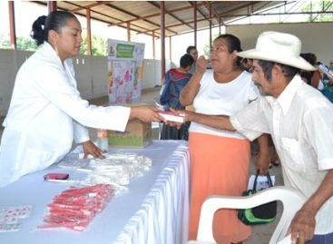 Beneficia Servicios de Salud de Oaxaca a cerca de dos mil personas con Feria de la Salud en Cotzocón