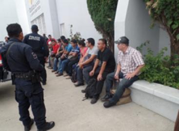 Rescatan en la capital oaxaqueña a 19 migrantes procedentes de Guatemala