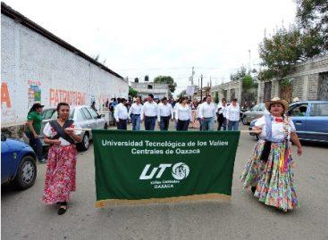 Participa Universidad Tecnológica en desfile del 105 Aniversario de la Revolución Mexicana