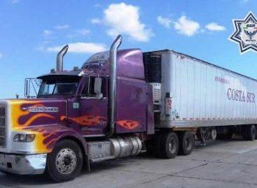 Tráiler y automóvil robados son localizados en La Venta, Juchitán y en San Agustín de las Juntas