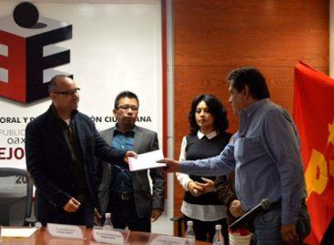 Entrega PT Oaxaca plataforma electoral 2015-2016 al Consejo General del IEEPCO