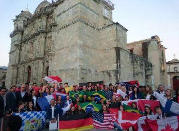 Disfrutan jóvenes de 17 países de la riqueza de la ciudad de Oaxaca de Juárez