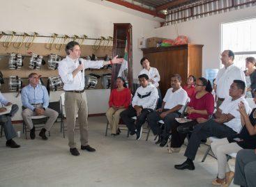 En visita clandestina a Oaxaca de Aurelio Nuño de la SEP; Ofrece diálogo a la Sección 22