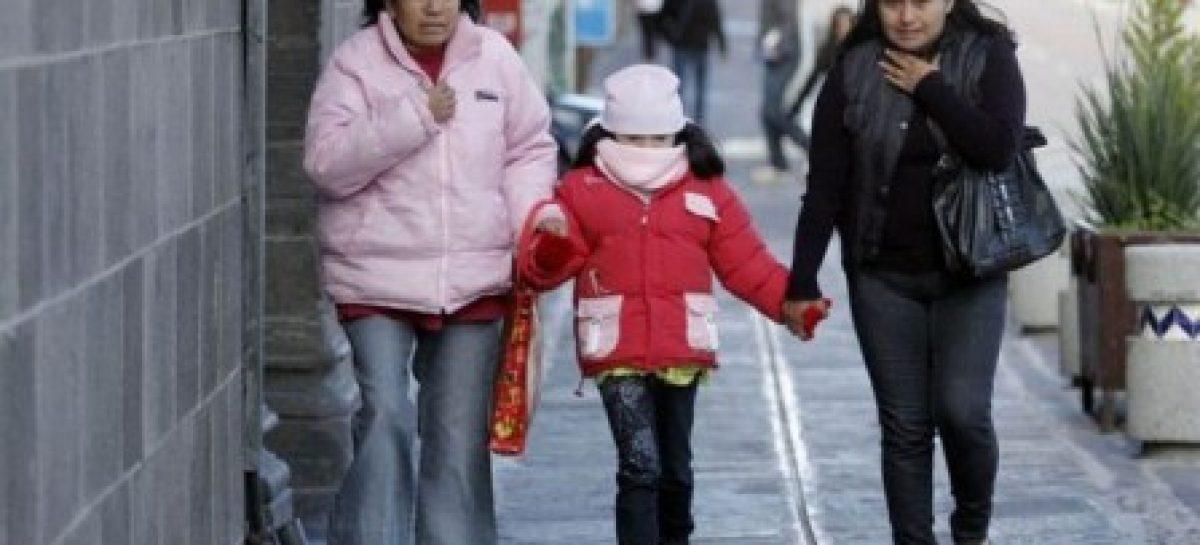 Intensifica IEEPO medidas de protección y cuidado para la salud de escolares por descenso de temperatura