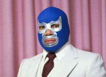 Plantea senador Jesús Casillas reconocimiento a luchador Blue Demon