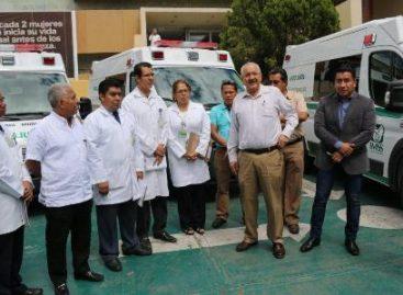 Entrega delegación del IMSS cuatro nuevas ambulancias para hospitales