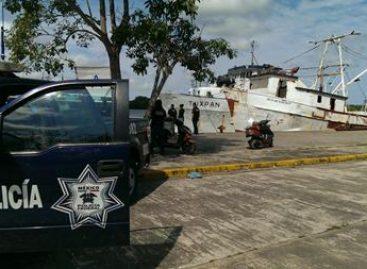 Aseguran embarcación con cerca de dos mil litros de hidrocarburo extraído ilegalmente de Pemex