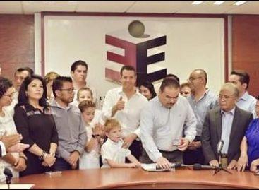 Entre guaruras y simpatizantes, se registra Alejandro Murat como candidato del PRI a gobernador