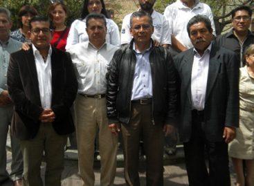Entrega aspirante independiente a gobernador 61 mil 560 firmas de apoyo a autoridad electoral
