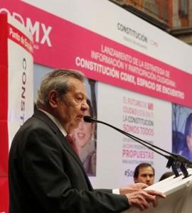 """Hoy se busca """"escribir lo que la gente quiera que se escriba"""", afirmó Muñoz Ledo."""
