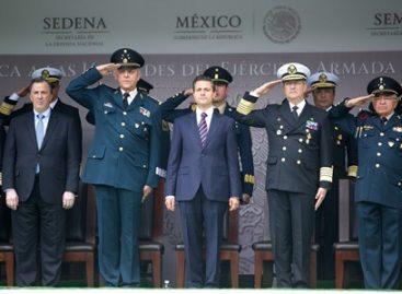 Entrega Peña Nieto menciones honoríficas a unidades del Ejército, Armada y Fuerza Aérea