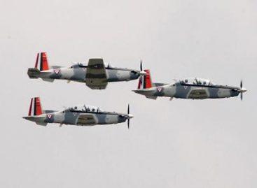 Aviones Texan T6-C de la Fuerza Aérea Mexicana levantan el vuelo por los 484 años de Oaxaca de Juárez