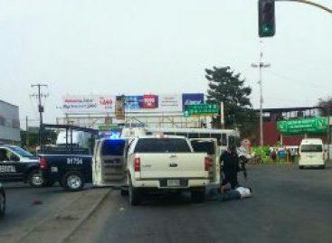 Un policía estatal y una mujer heridos, así como tres detenidos durante persecución en Tuxtepec, Oaxaca
