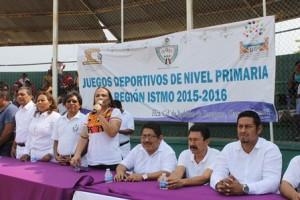 Participan niños y niñas de las diferentes escuelas.