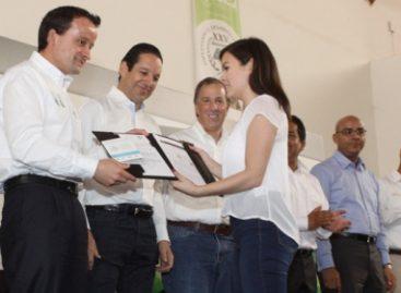 Querétaro, primer estado del país en afiliar al IMSS a estudiantes de educación media superior y superior