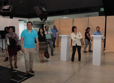 """Verifican IEEPCO y partidos políticos la sede del """"Debate Oaxaca 2016"""""""