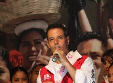 De ganar la gubernatura, Alejandro condena al destierro a José Murat