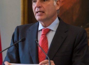 Gabino Cué por su impopularidad definirá elecciones a gobernador