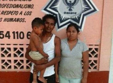 Padres recuperan a niño de dos años extraviado en Puerto Escondido, Oaxaca